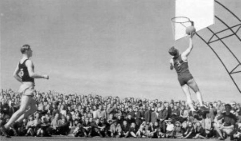 Akimirka iš 1946 m. Augsburge įvykusios Pabaltiečių sporto šventės krepšinio
